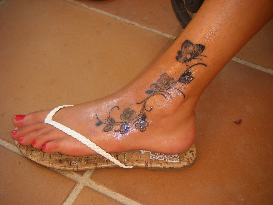 ankle tattoos photo - 27