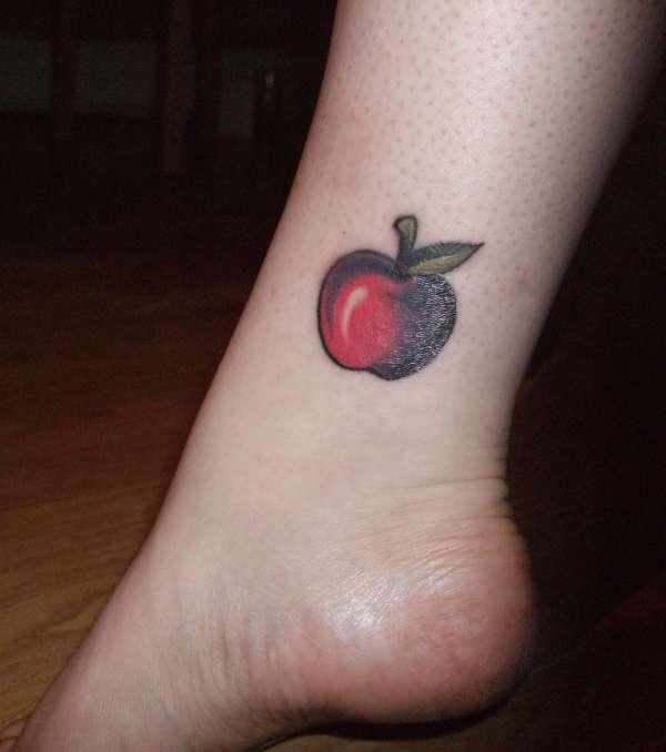 apple tattoos photo - 1