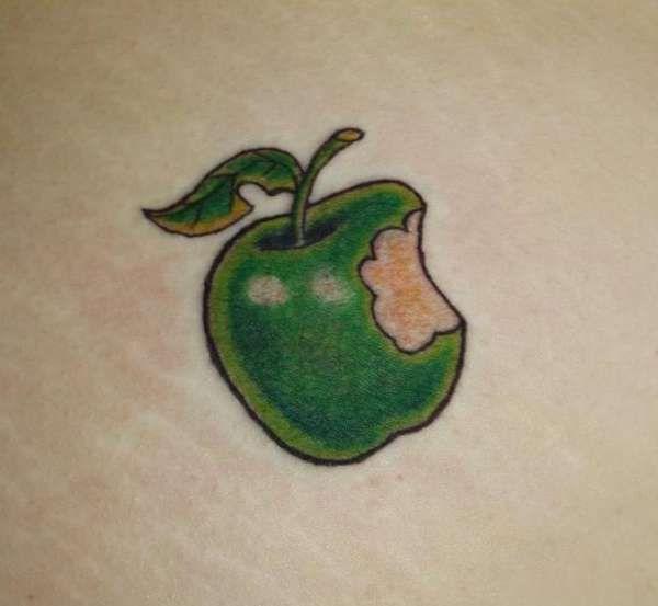 apple tattoos photo - 29