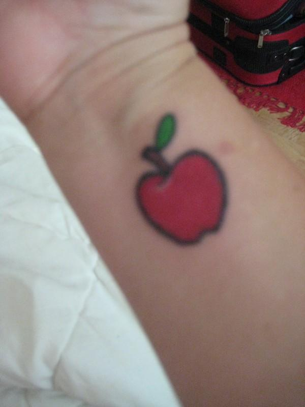 apple tattoos photo - 4