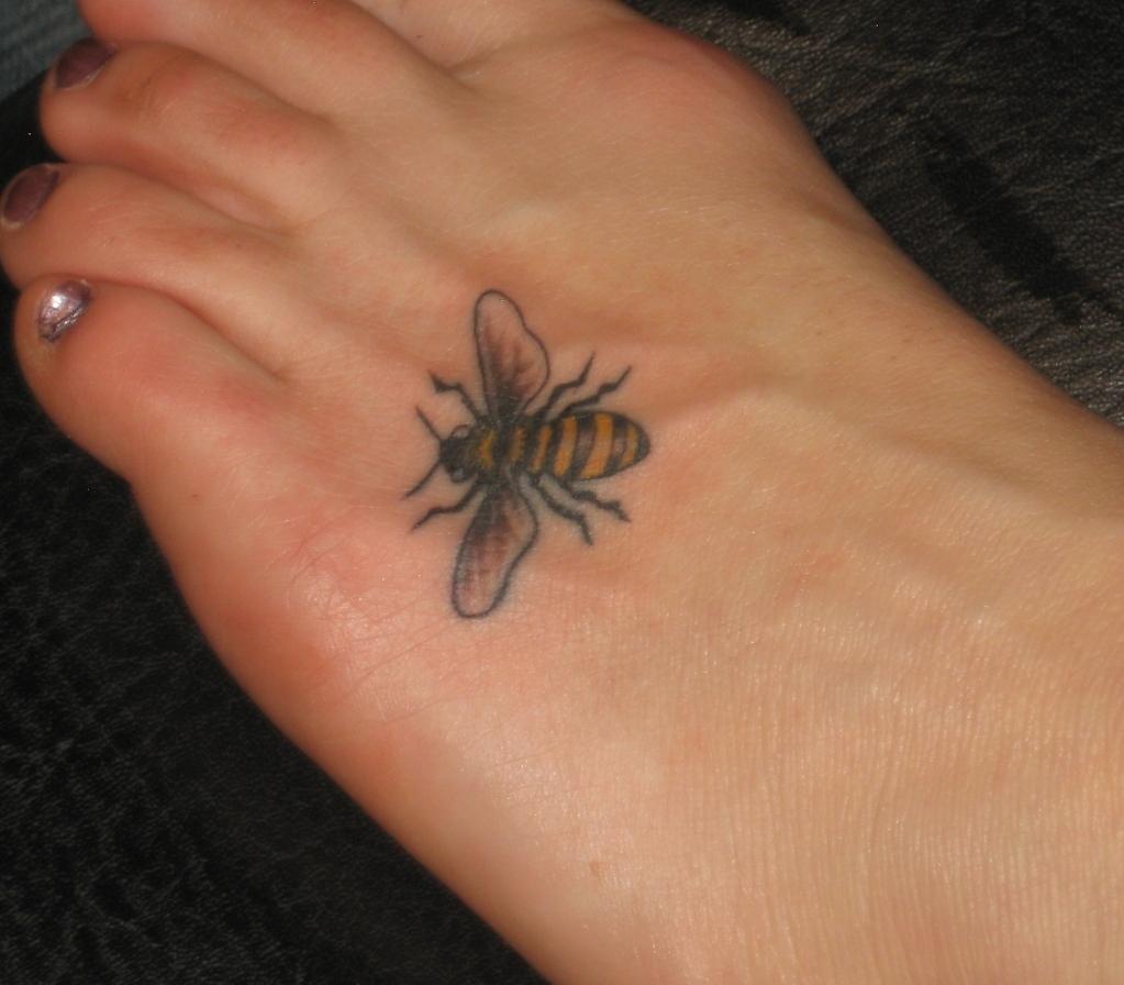 bee tattoos photo - 12