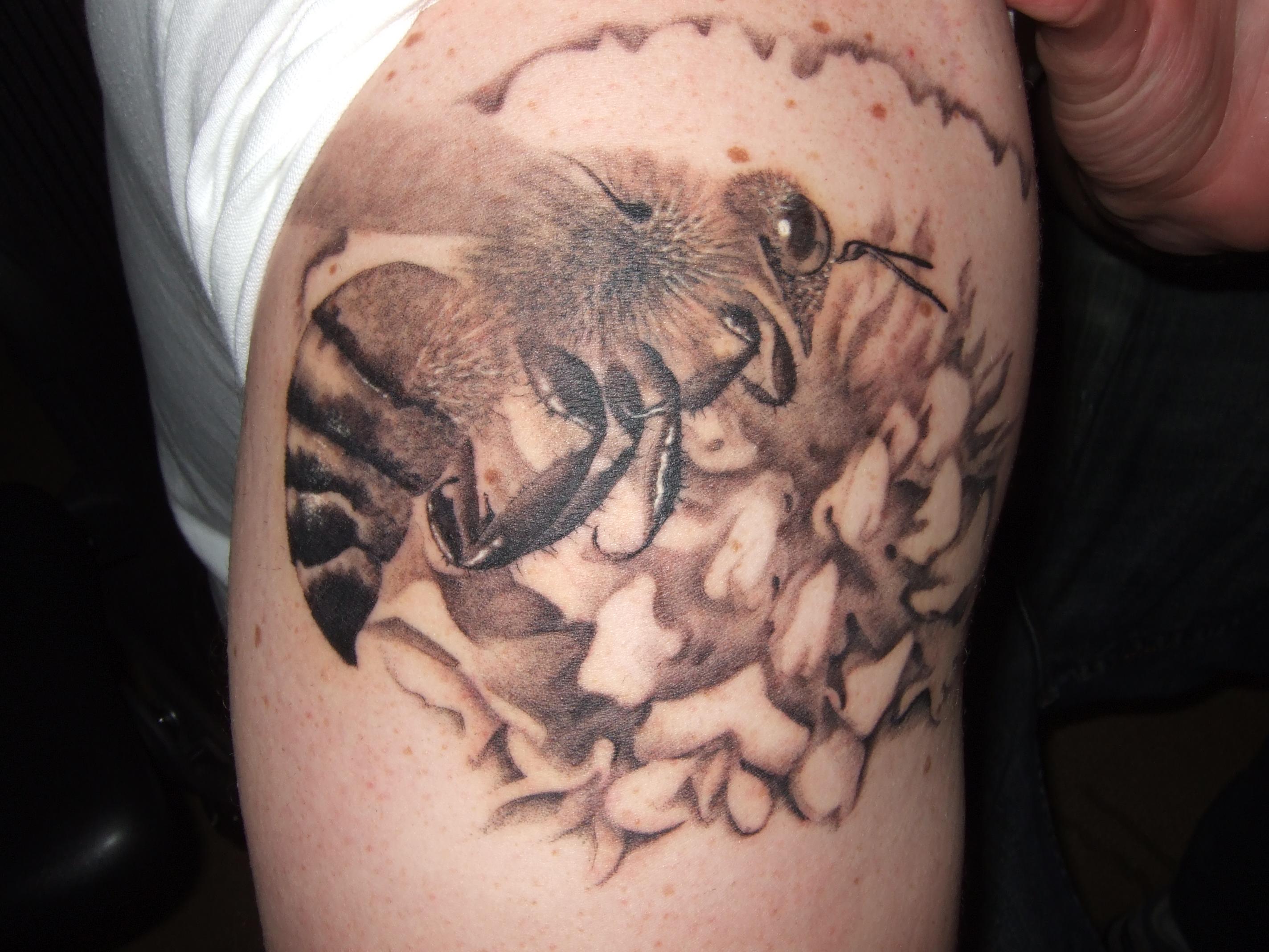 bee tattoos photo - 15