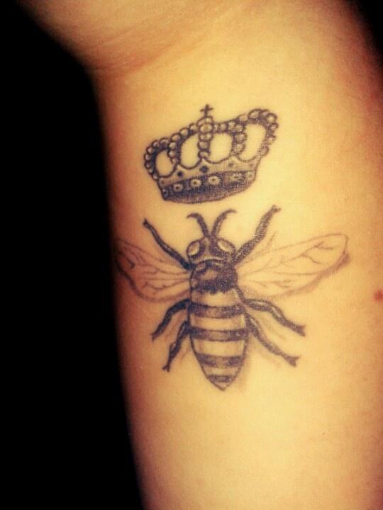 bee tattoos photo - 17