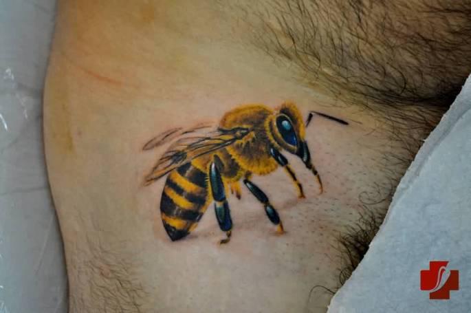 bee tattoos photo - 22