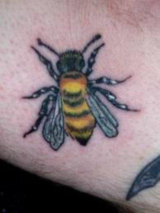 bee tattoos photo - 28