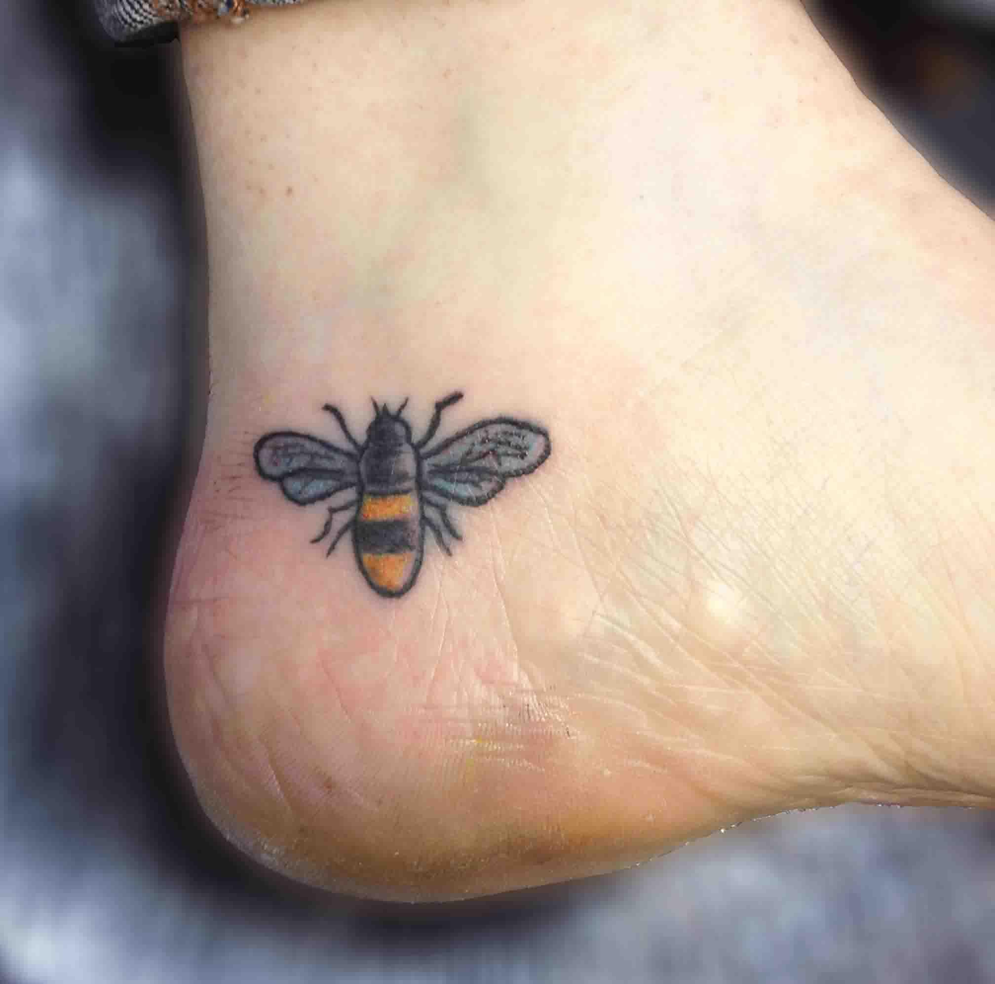 bee tattoos photo - 32