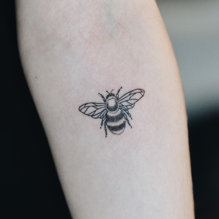 bumblebee tattoos photo - 9