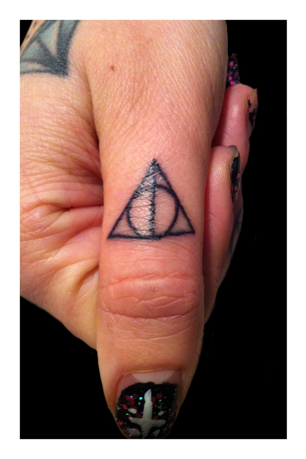 finger tattoos photo - 15