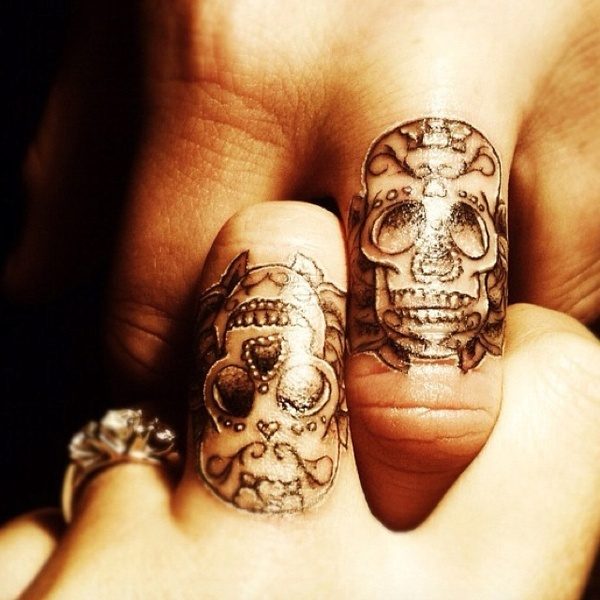 finger tattoos photo - 36