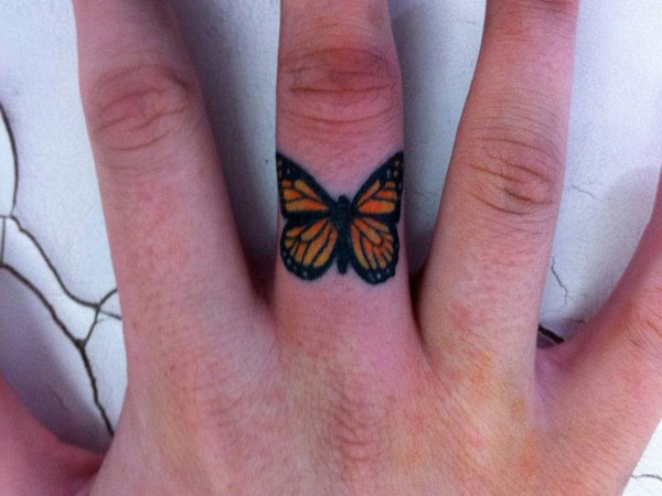 finger tattoos photo - 40