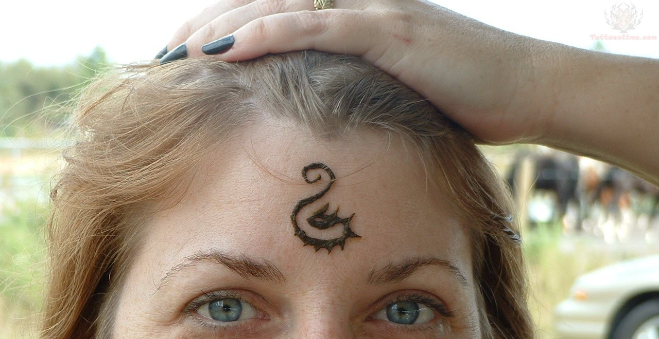 forehead tattoos photo - 10