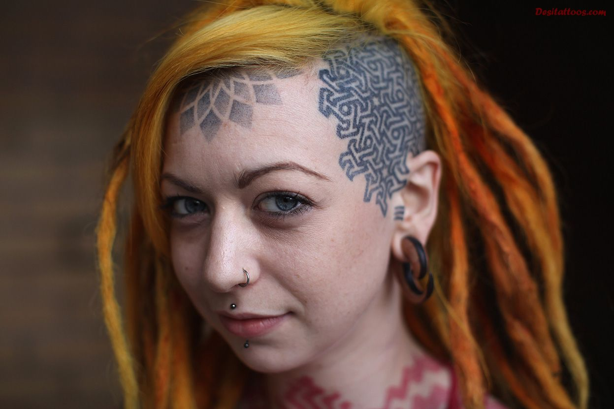 forehead tattoos photo - 11
