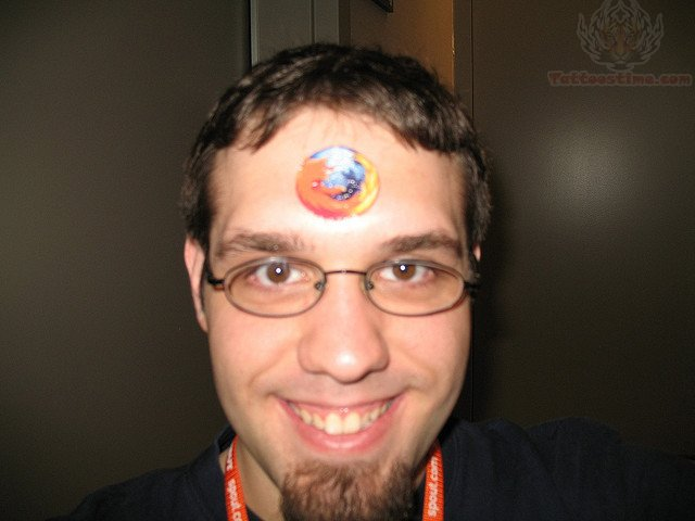forehead tattoos photo - 9