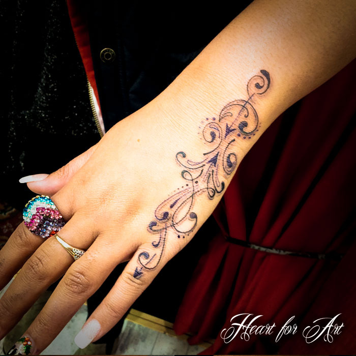 hand tattoos photo - 30