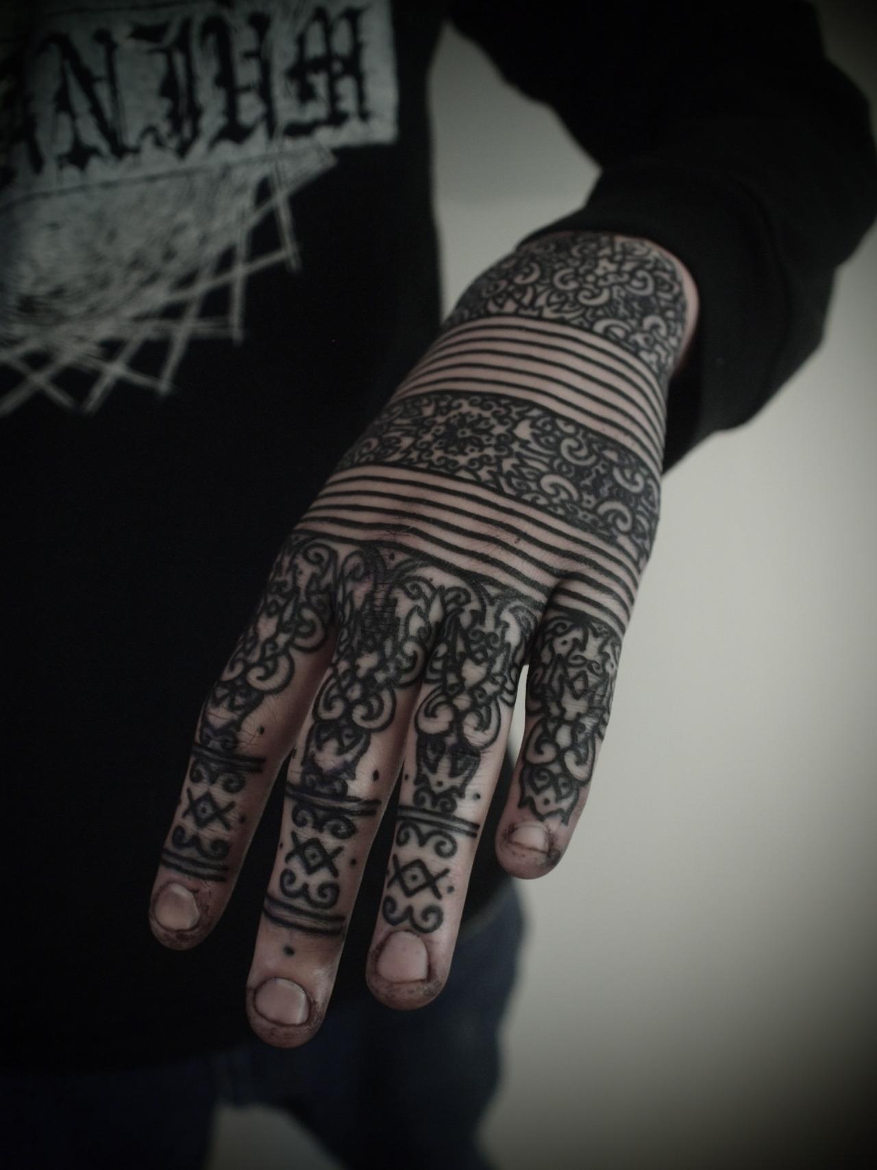 hand tattoos photo - 32