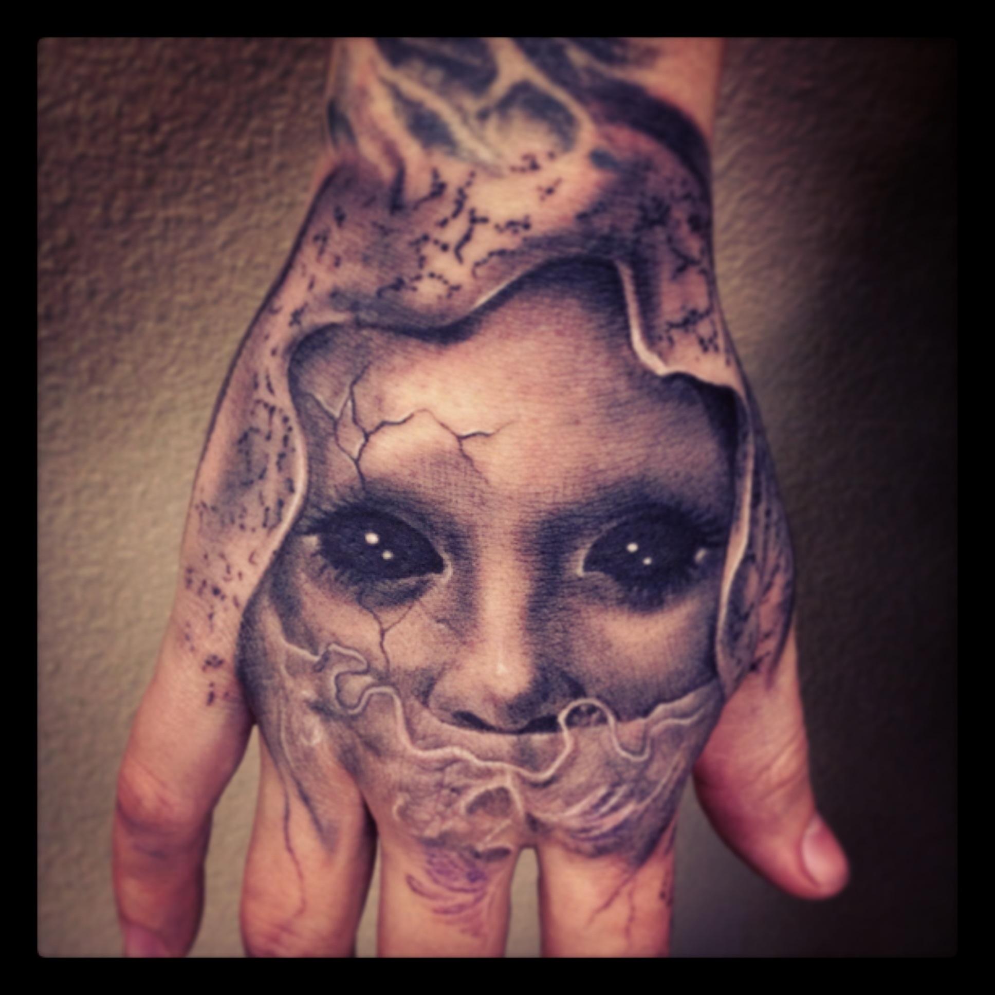 hand tattoos photo - 40