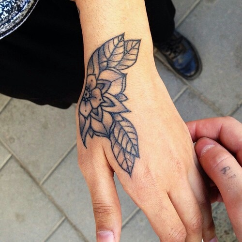 hand tattoos photo - 5