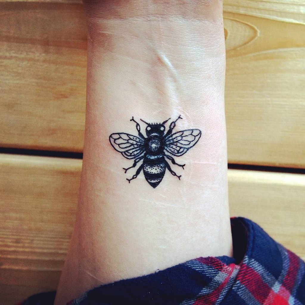 insect tattoos photo - 35
