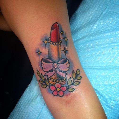 lipstick tattoos photo - 22
