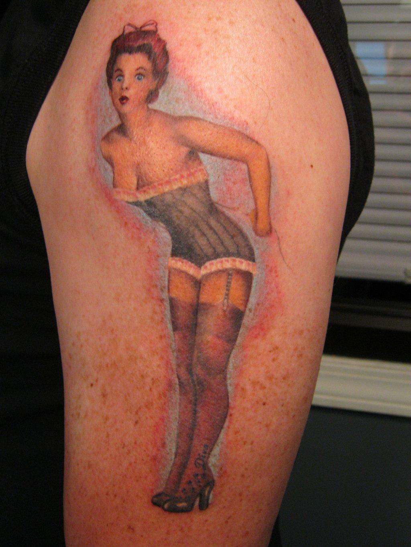 pin up girl tattoos photo - 7