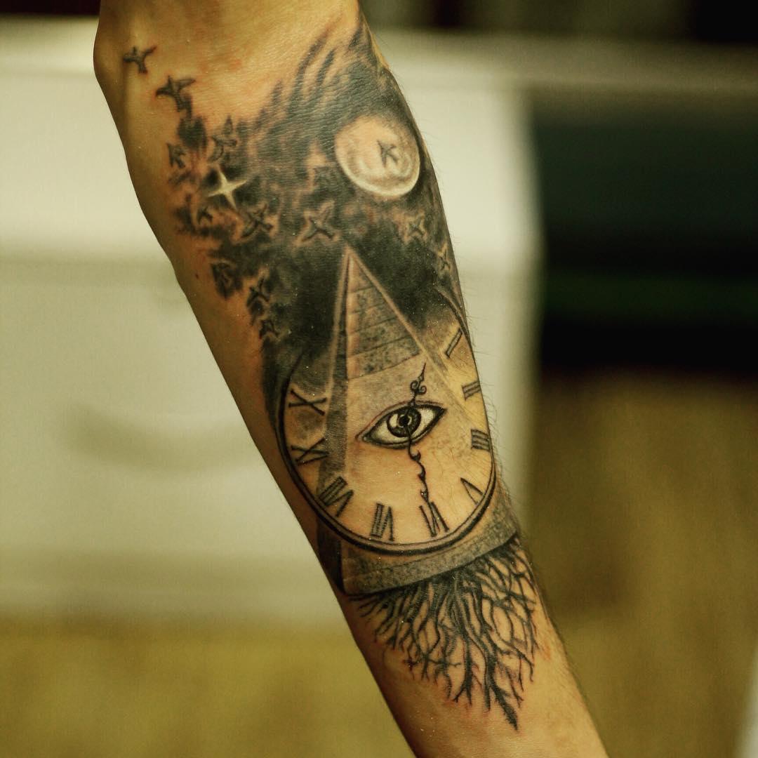 pyramid tattoos photo - 1